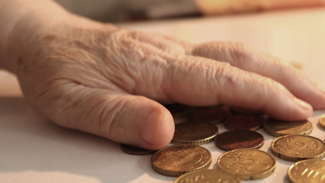 Минтруд: с апреля размер пенсий увеличится на 2,9%