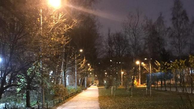 До конца года специалисты Ленсвета установят еще 7,7 тысяч светодиодных светильников