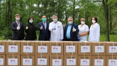 Китайский девелопер приобрел 10 тысяч медицинских респираторов для петербургского госпиталя ветеранов