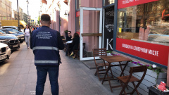 В Петербурге ликвидировали 17 летних кафе