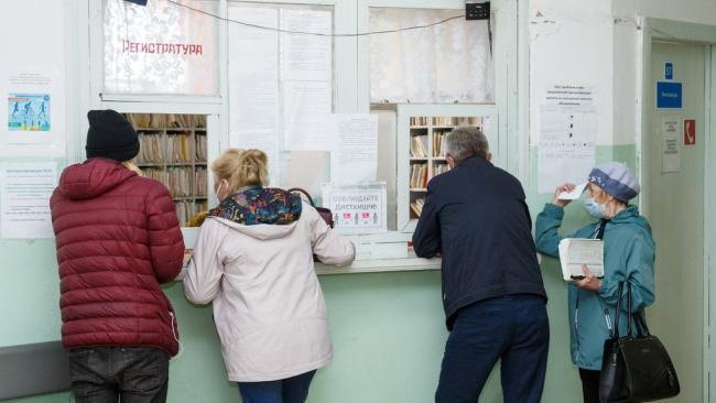 В Коми на фоне роста случаев COVID-19 приостановлены профилактические медосмотры