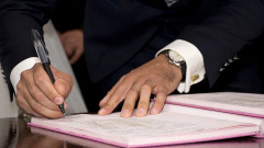 Московская мэрия заключила контракт на поставку бетонных бордюров