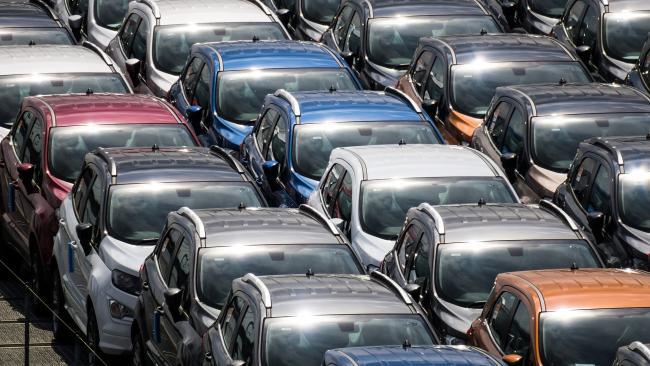 В январе-августе продажи новых легковых автомобилей в ЕС сократились на 32%