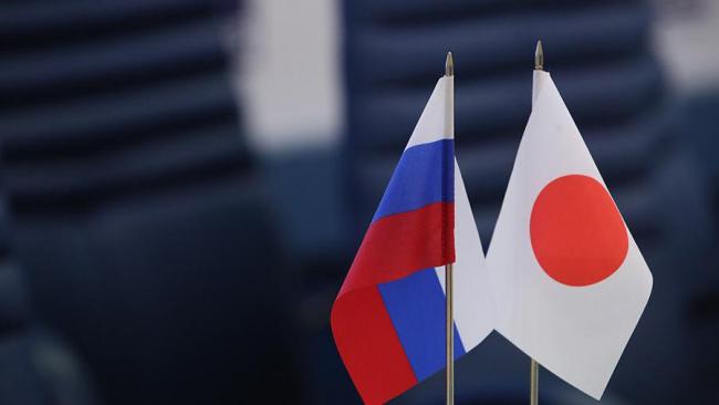 Япония сделала представление РФ из-за открытия рыбзавода на Шикотане