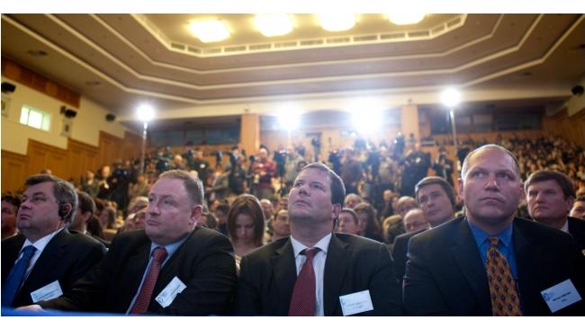 Центробанк пригрозил отобрать лицензии у 30 банков