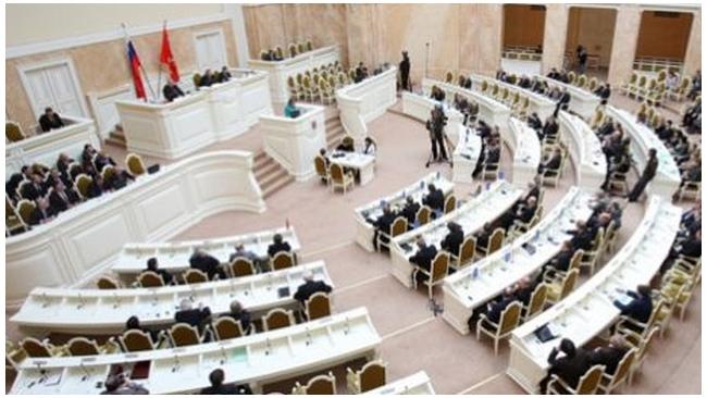ЗакС принял закон об отставке губернатора Петербурга
