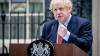 Премьер Великобритании Джонсон появился на Даунинг ...