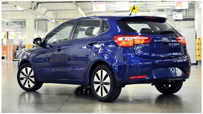 Новый хэтчбек Kia Rio оказался дороже одноименного седана на 10 тыс. рублей