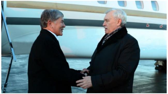 Президент Киргизии приземлился в Петербурге для встречи с Путиным