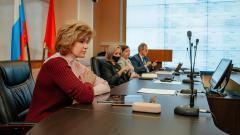 Ирина Потехина: почти 1,5 тысячи педагогов Петербурга прошли 2-й этап вакцинации против COVID-19