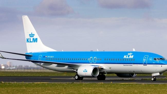 Авиакомпания KLM позволит выбрать соседа в Facebook