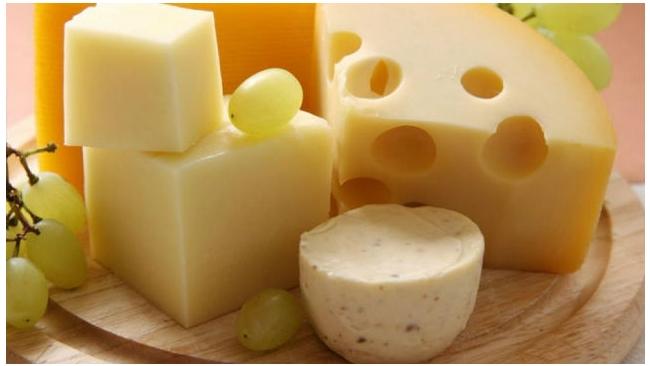 Сыр из ЕС попытались провезти в Россию под видом бетонита