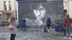 На улице Восстания появился обновленный портрет Виктора Цоя