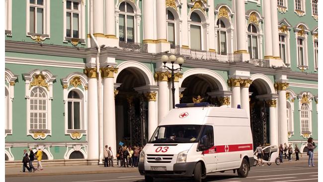 Губернатор: Петербург за 3 года направит 1,684 млрд руб на обновление санитарного транспорта