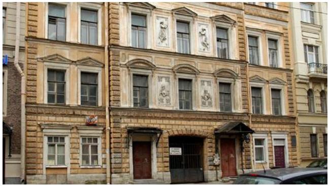 Органы проверят законность реконструкции дома Штакеншнейдера