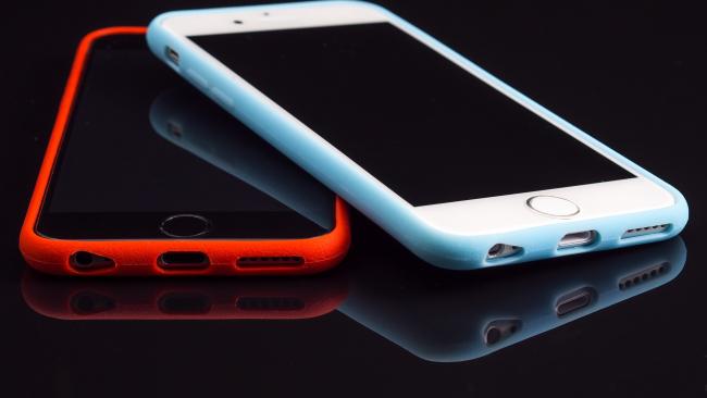 """Apple изменила дизайн iPhone: новые смартфоны будут без кнопки """"Home"""""""