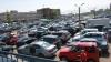 Автомобилей в Петербурге покупают в три раза меньше