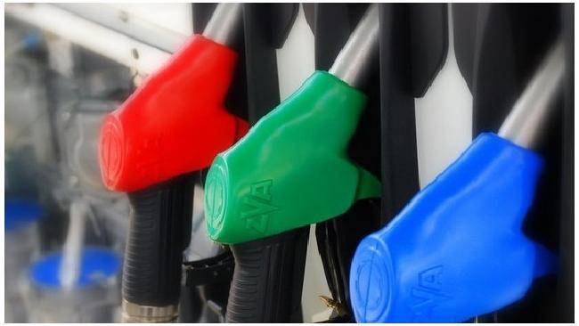 Бензин продолжает уверенно дорожать