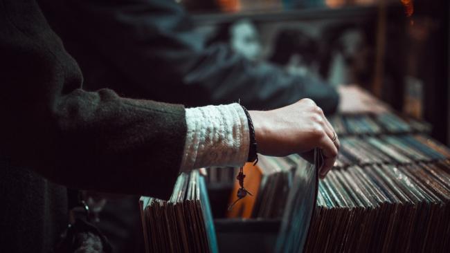CD и винил обогнали продажи цифровой музыки