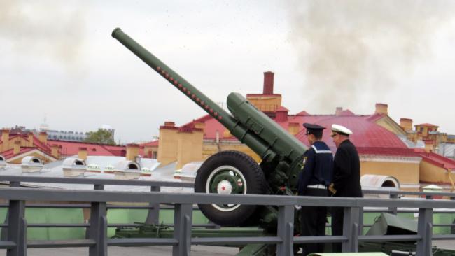 Сегодня полуденная пушка Петропавловки выстрелила в честь медиков