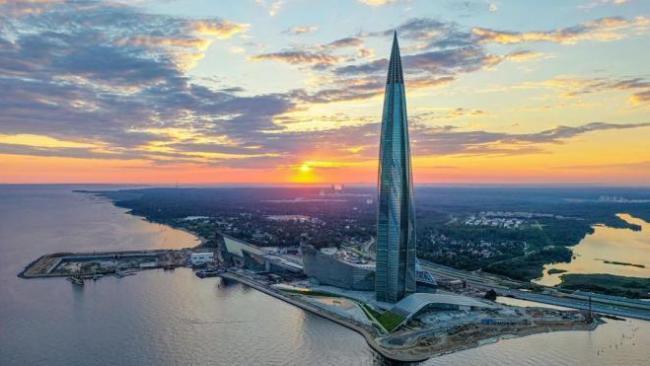 """""""Газпром"""" начнет переезд в """"Лахта Центр"""" в следующем году"""