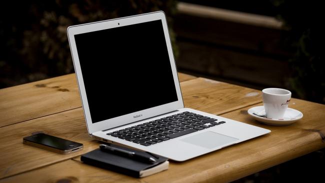 Apple стала первой компанией в мире с капитализацией $1 трлн
