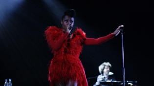 Morcheeba. Lady in red