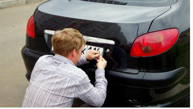 Владимир Путин упростил процедуру получения автомобильных номеров