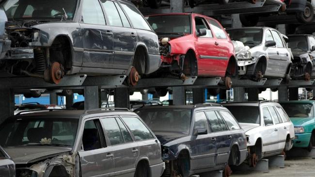 СМИ: автомобили вновь подорожают из-за утилизационного сбора