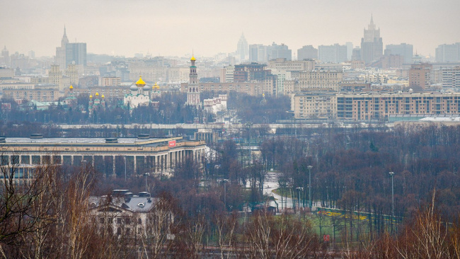 В Москве на неделю закрывают все магазины, заведения общепита, будут работать продуктовые и аптеки
