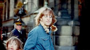 Волосы Леннона стоят дороже волос Кобейна
