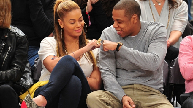 Forbes назвал самую высокооплачиваемую звездную пару