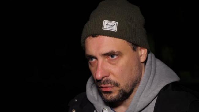 Евгений Цыганов рассказал о своей роли водителя автобуса, в который врезался автомобиль Цоя
