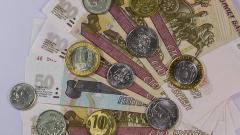 Объем свободных денежных средств россиян в августе снизился на 13%
