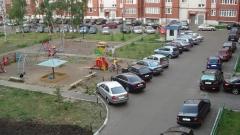 В Петербурге собираются запретить парковку во дворах