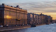 На «коронавирусные каникулы» в Петербурге закроют магазины, общепит, церкви