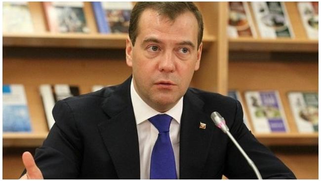 """Медведев вступает в """"Единую Россию"""""""