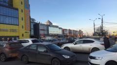 В Рыбацком пожаловались на недостроенную перехватывающую парковку