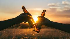 Минпромторг сообщил о замедлении старта продажи спиртного онлайн