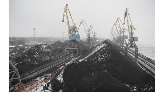 Правительство распорядилось расширить границы порта Высоцк