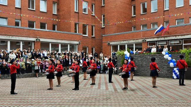 В России 1 сентября было открыто более 200 новых школ
