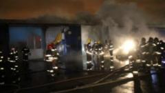 Спасатели потушили пожар в мебельном технопарке на Индустриальном проспекте