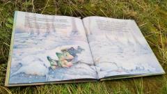 В Петербурге библиотекари прочитали детям 127 сказок по телефону