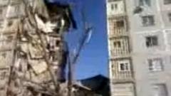 В Астрахани взрыв разрушил 18 квартир, под завалами остаются люди