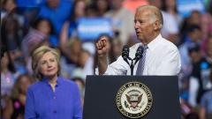 Клинтон поддержала Байдена в качестве кандидата в президенты США