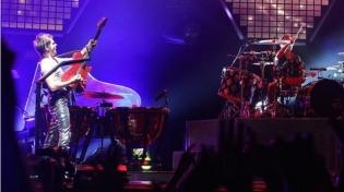 Muse. Любовь размером в 20000 человек