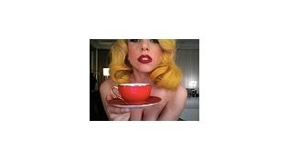 Леди Гага верит в астрологию и любит гамбургеры