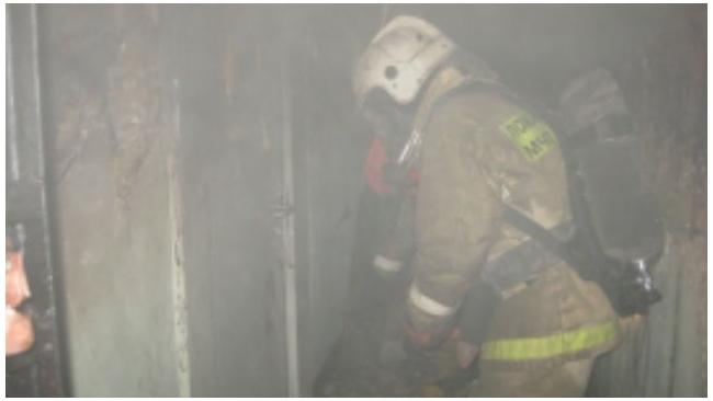Спасатели вывели из огня 15 жителей дома 22 по Б. Сампсониевскому проспекту