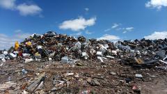 «Мы больше не хотим задыхаться от вони!»: активисты перекрыли въезд мусорных фур на «Новоселки»