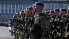 Контрактным рядовым и сержантам поднимут зарплату